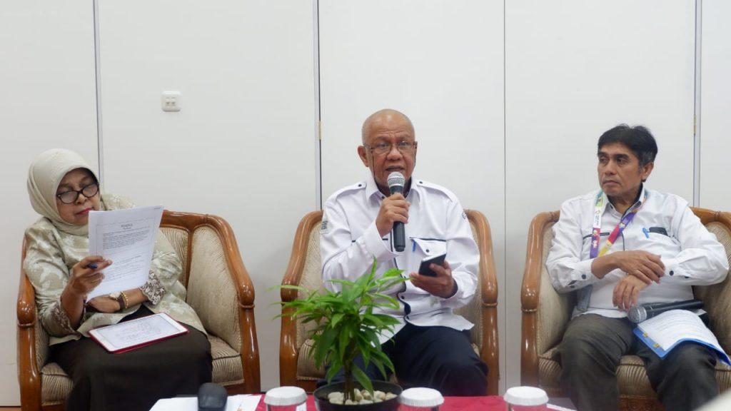 dr. Eva Viora, Dr.dr. Fidiansjah, SpKJ, MPH Bapak Indra Rizon, SKM, M.Kes