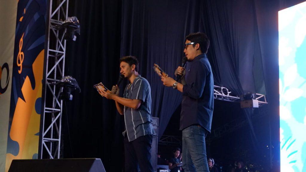 Desta - Vincent sebagai Host Mandiri Karnaval 2018