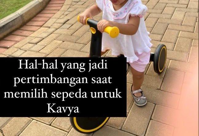 Hal-hal yang perlu dipertimbangkan saat memilih sepeda untuk anak di bawah 2 tahun